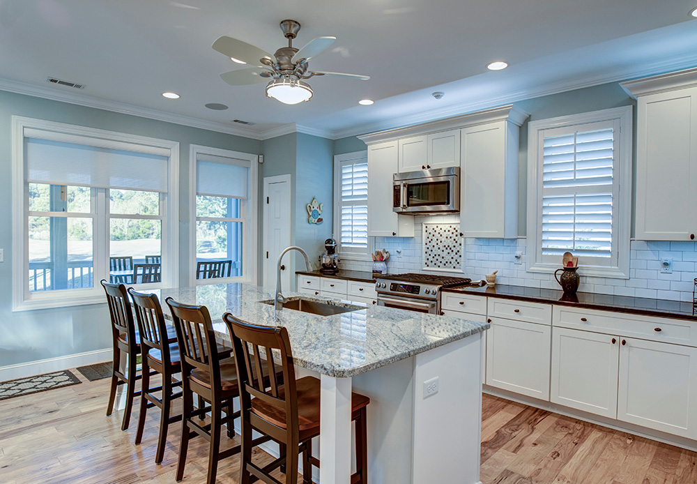 pros cons of open concept kitchen